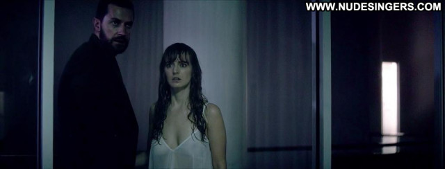Ahna O Reilly Sleepwalker Big Tits Breasts Celebrity Beautiful Posing