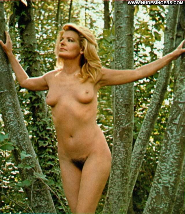 Giovanna Nocetti Miscellaneous Sultry Pretty Singer Blonde Celebrity