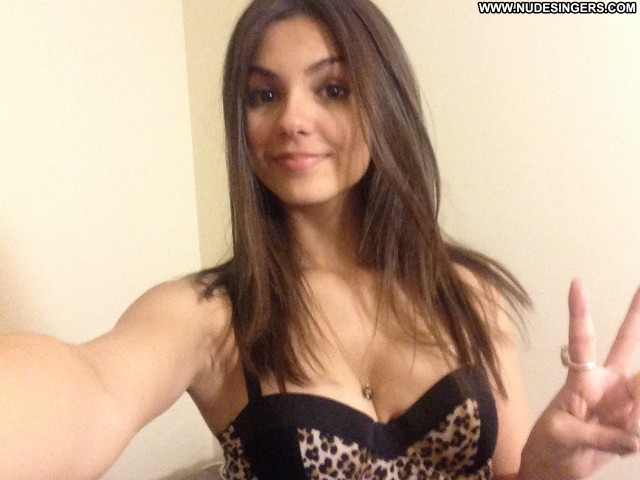 Victoria Justice Icloud Leak Scandal Beautiful Celebrity Brunette