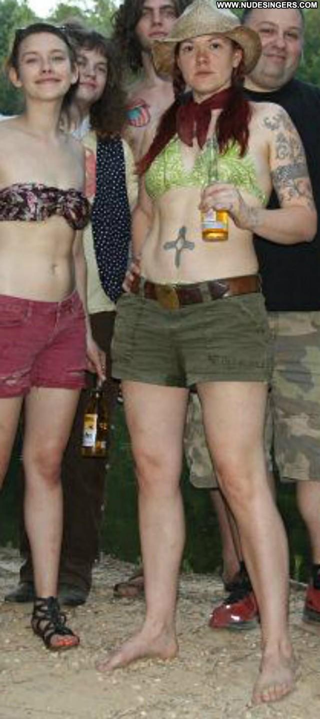 Zia Mccabe Miscellaneous Medium Tits Singer Bombshell Redhead