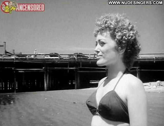 Rue Mcclanahan Hollywood After Dark Celebrity Posing Hot Medium Tits
