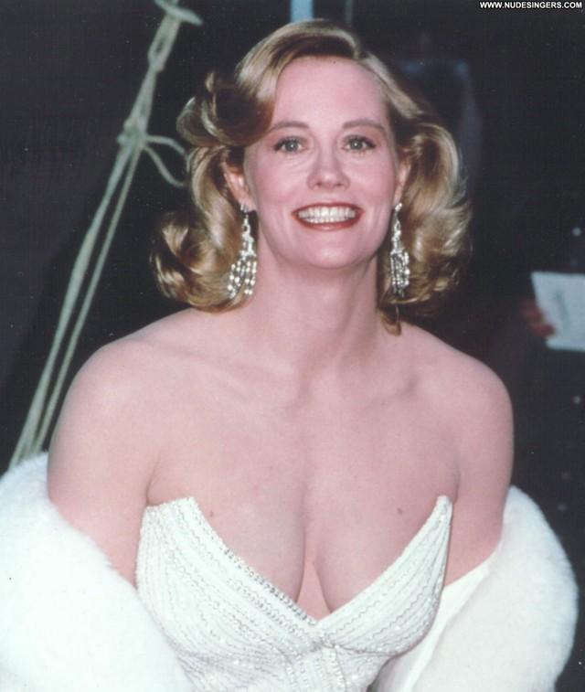 Cybill Shepherd Miscellaneous Hot Medium Tits Blonde Doll Celebrity