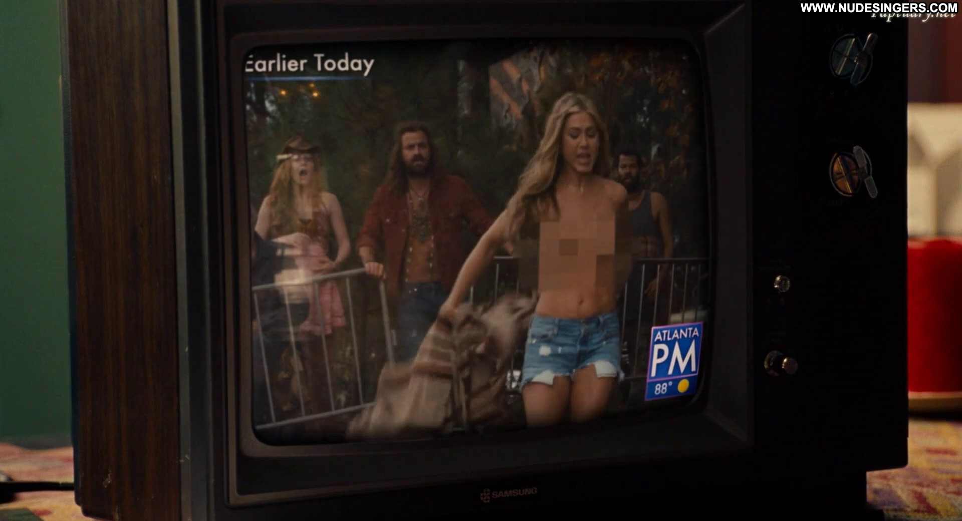 Nude portraits of jennifer aniston, lenny kravitz auctioned off for covid