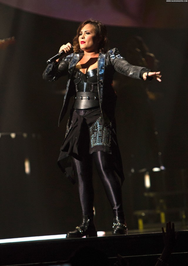 Demi Lovato Performance Stunning Sultry Pretty Sexy Beautiful Sensual