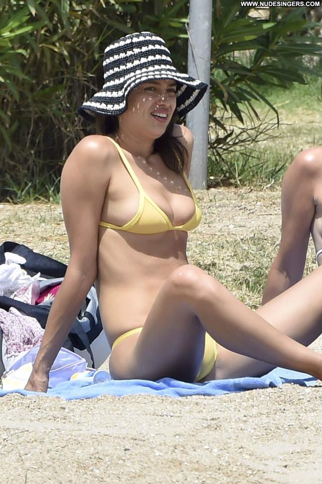 Irina Shayk No Source Bikini Posing Hot Celebrity Candids Beautiful
