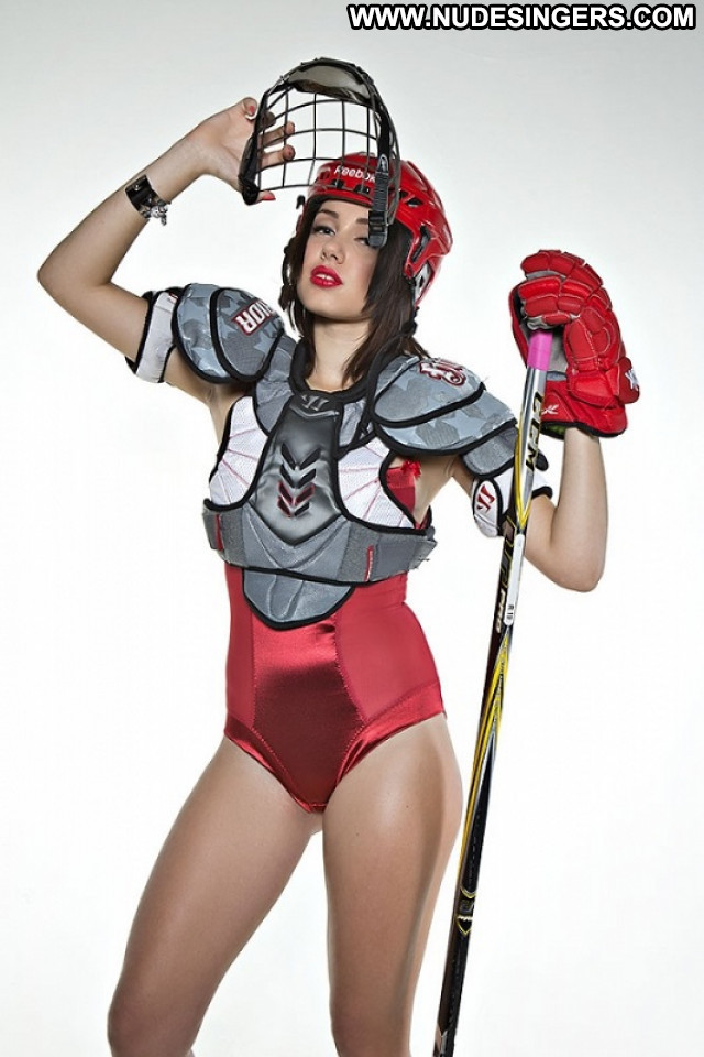 Maria No Source  Beautiful Posing Hot Hockey Celebrity Babe