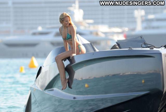 Kimberley Garner No Source Bikini Babe Celebrity Sexy Candids