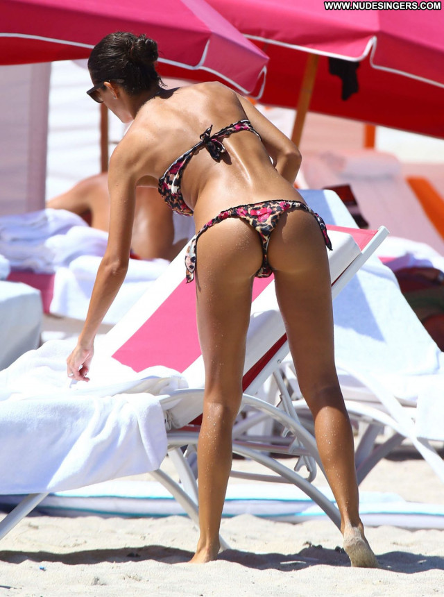 Bikini No Source Candids Celebrity Beautiful Bikini Posing Hot Babe