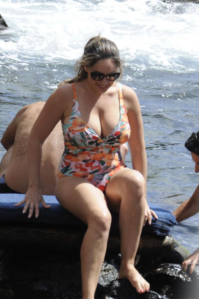 Kelly Brook No Source Big Tits Big Tits Big Tits Posing Hot Big Tits