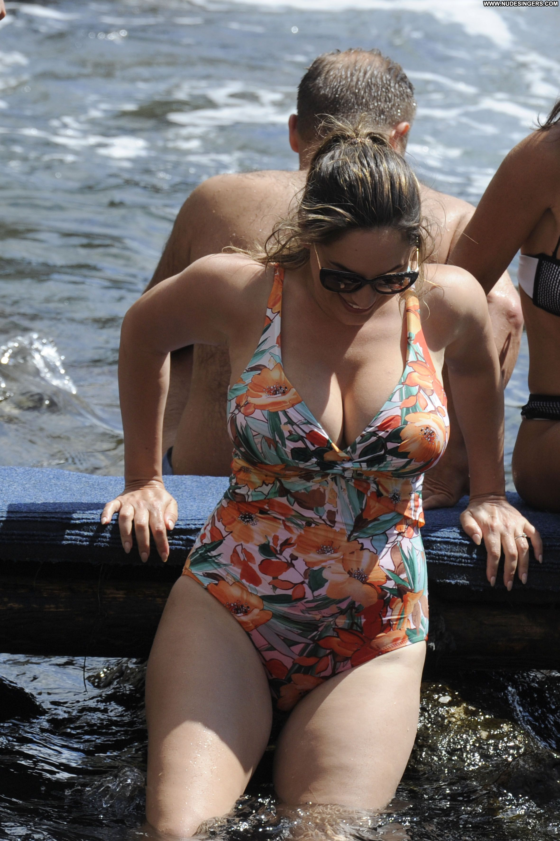 Kelly Brook No Source Celebrity Beautiful Babe Posing Hot -2623