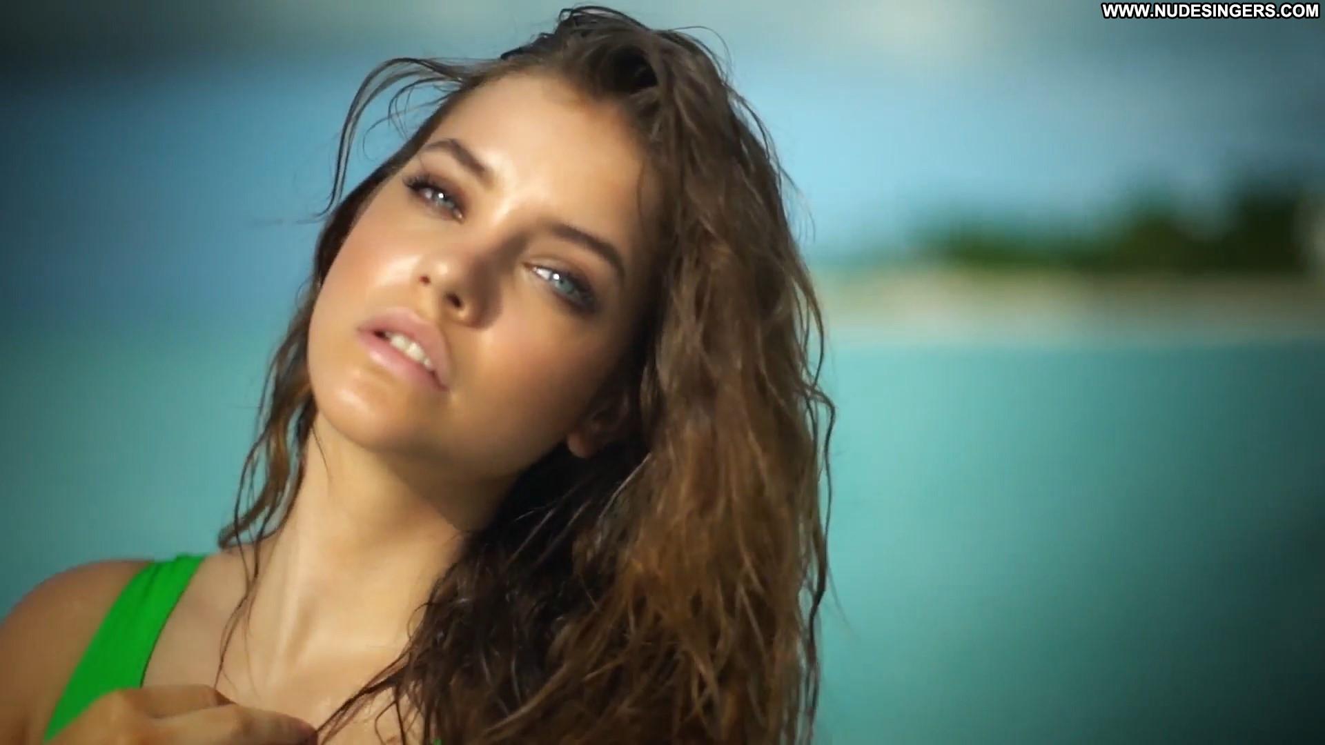 Barbara Palvin Sports Illustrated Swimsuit Celebrity Beautiful Babe Posing Hot Model Swimsuit ...