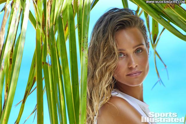 Hannah Davis Sports Illustrated Swimsuit American Sports Posing Hot