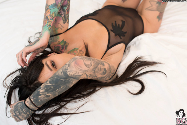 Foxilla Suicide Girls Bed Famous Babe Topless Celebrity Tattoo Tits