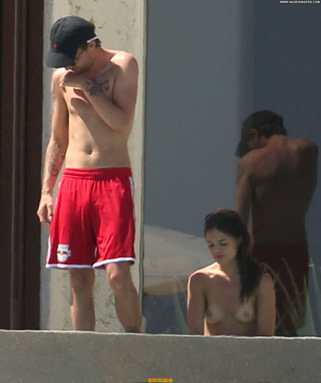 Danielle Campbell No Source Posing Hot Pool Babe Beautiful Celebrity