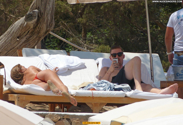 Millie Mackintosh No Source Toples Topless Ibiza Babe Posing Hot