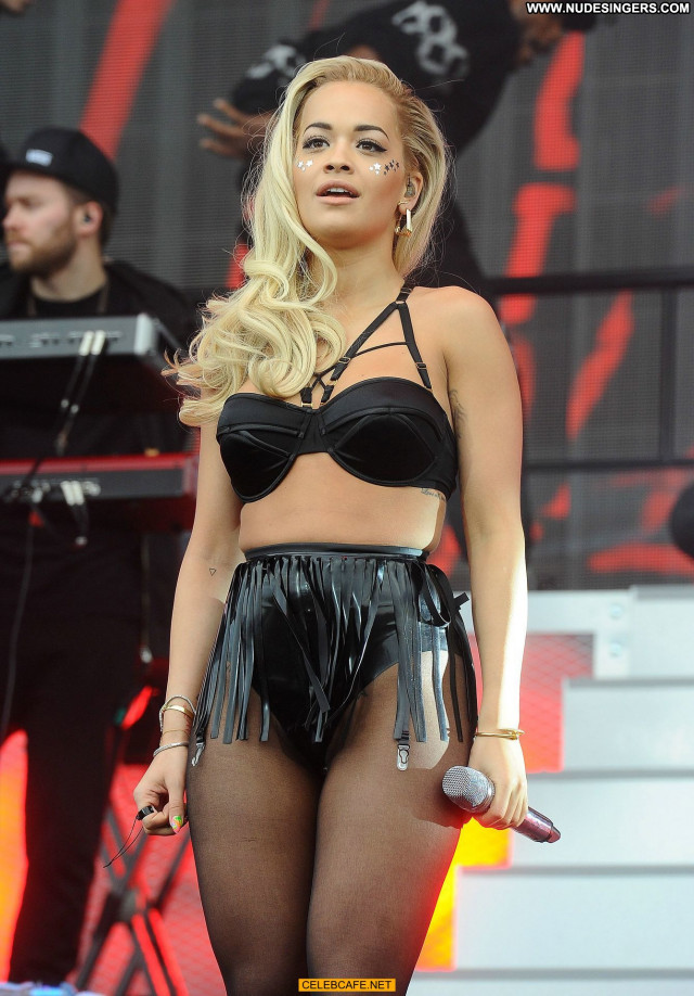 Rita Ora No Source Birthday Posing Hot Celebrity Party Beautiful Babe