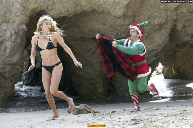 Leann Rimes Malibu Beach Bikini Posing Hot Malibu Beautiful Black
