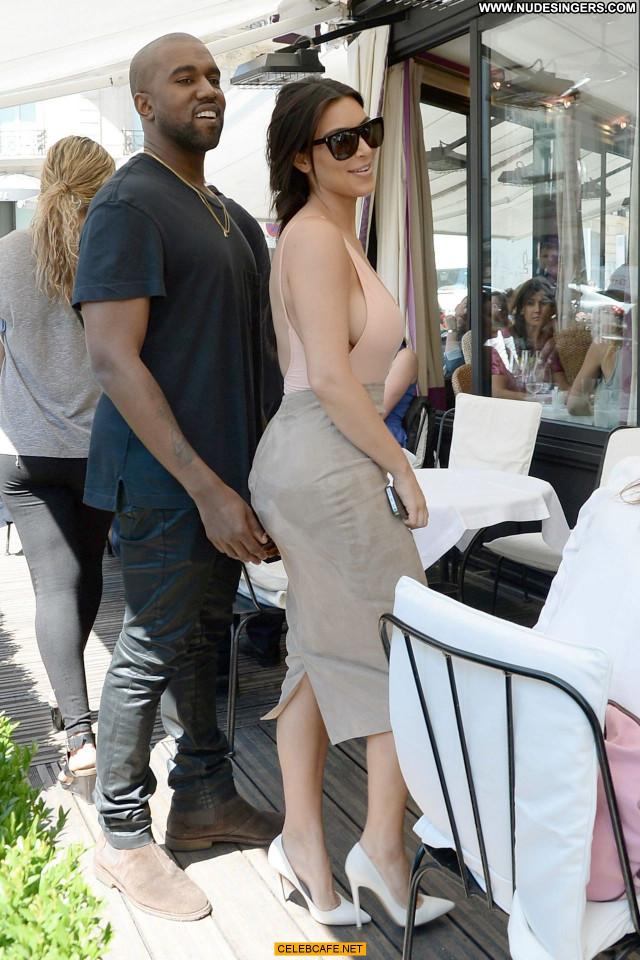 Kim Kardashian No Source  Paris Celebrity Beautiful Ass Posing Hot