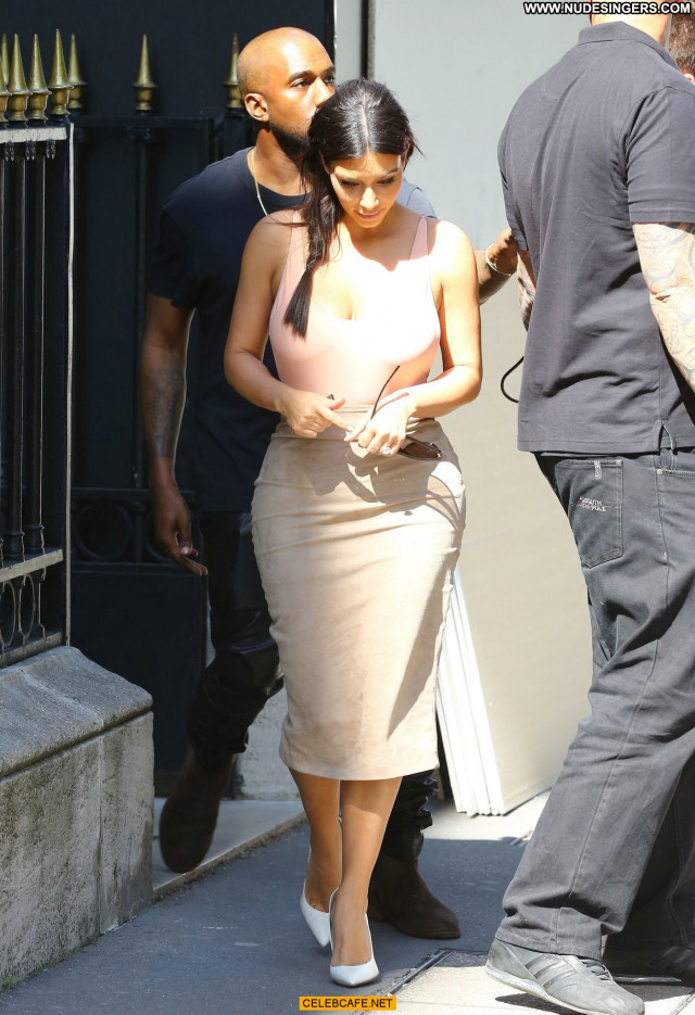 Kim Kardashian No Source Posing Hot Babe Celebrity Paris Ass Beautiful