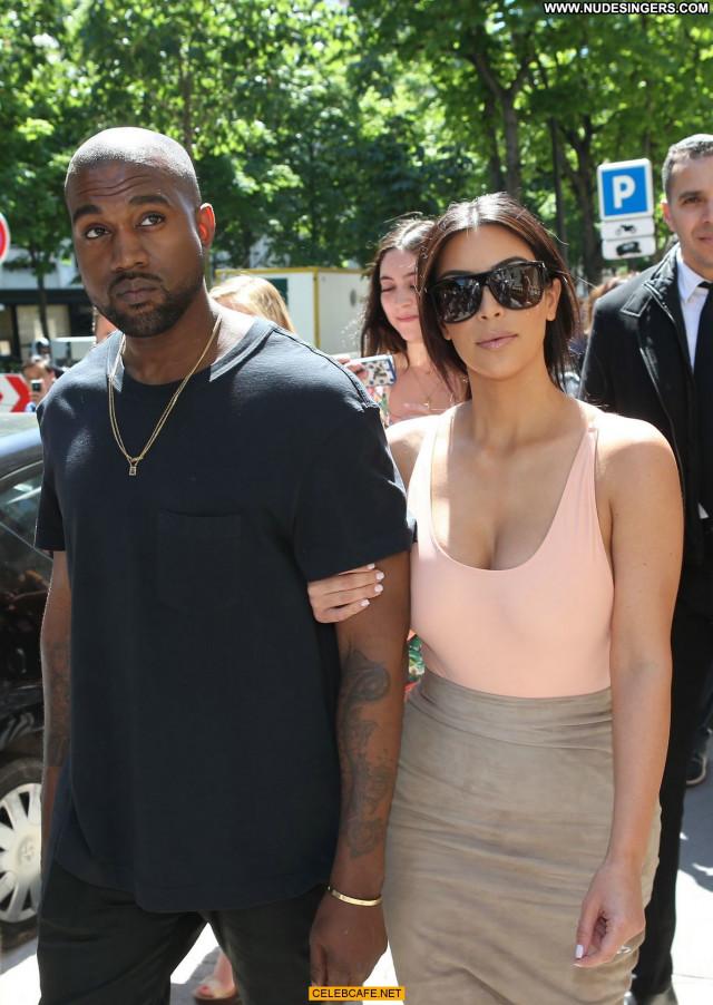 Kim Kardashian No Source Paris Beautiful Babe Celebrity Posing Hot Ass