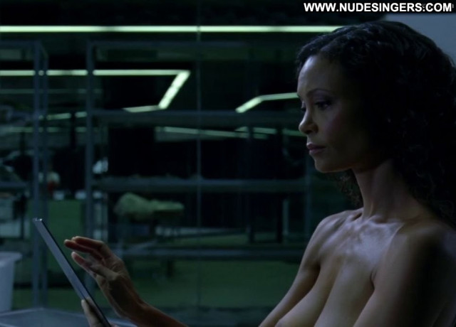 Thandie Newton No Source Posing Hot Mean Celebrity Babe Beautiful