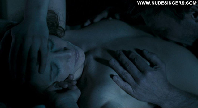 Vera Farmiga In Tranzit Celebrity German Posing Hot Big Tits Breasts
