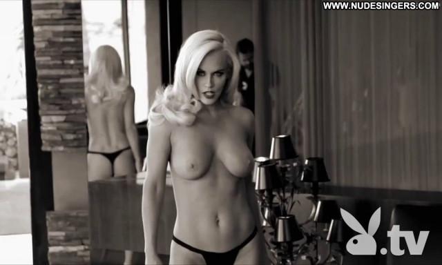 Jenny Mccarthy Reality Show Nude Bush Videos Posing Hot Coed Bar Bus