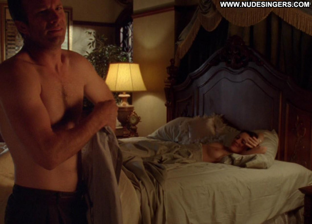 Alanna Ubach Up In The Air Sex Panties Bed Big Tits Nude Sex Scene