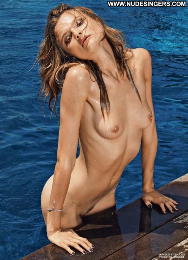Magdalena Frackowiak Black And White Babe Bus Shower Black Nude Photo