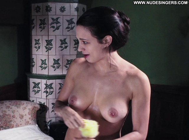 Asia Argento Full Frontal Celebrity Full Frontal Tits Bathroom Nude