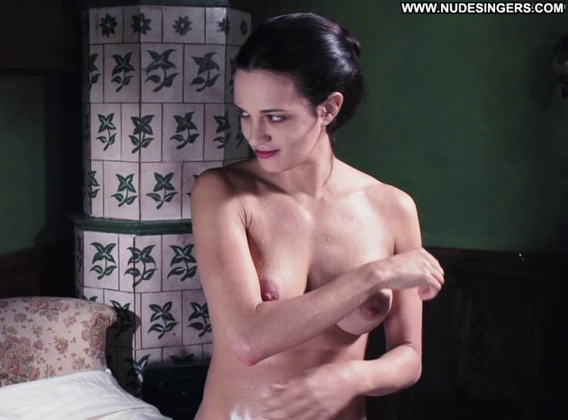 Asia Argento Full Frontal Tits Posing Hot Full Frontal Breasts Babe