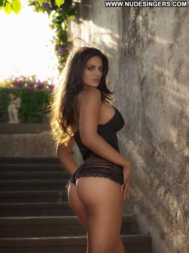 Cristina Del Basso Big Brother Calendar Shy Bed Old Big Tits Italian