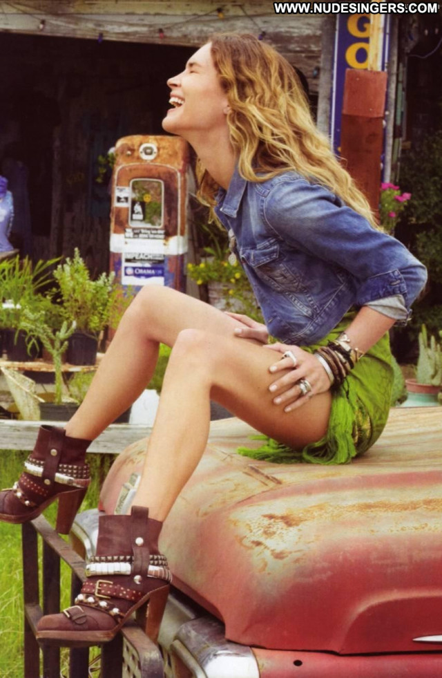 Erin Wasson Road Trip Babe Topless Beautiful Breasts Toples Boots Wet