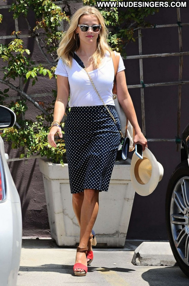 Reese Witherspoon No Source Beautiful Posing Hot Babe Paparazzi