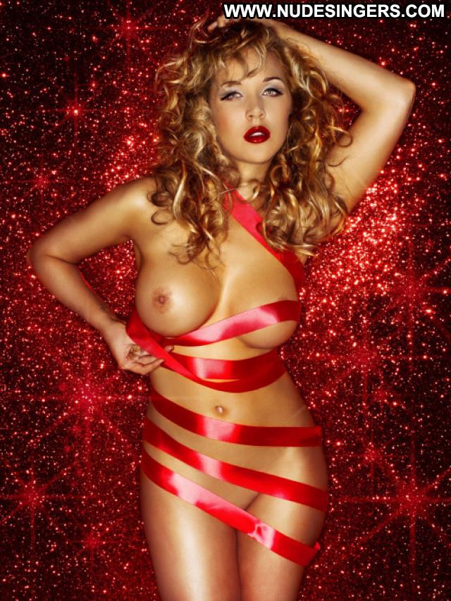Emily Scott Celebrity Beautiful Babe Posing Hot Nude