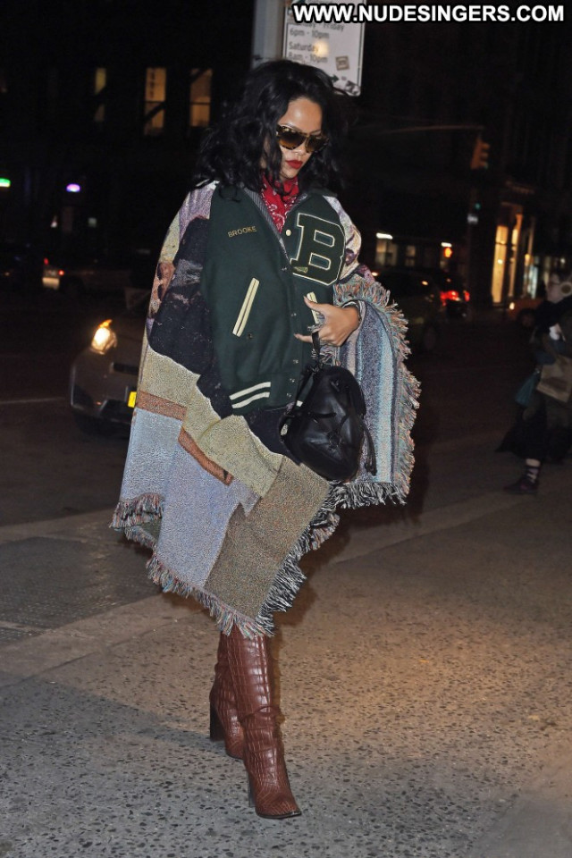 Rihanna New York Celebrity New York Babe Beautiful Paparazzi Posing