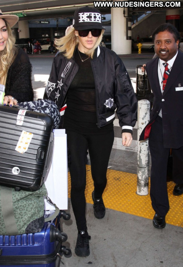 Ellie Goulding Lax Airport Posing Hot Paparazzi Babe Celebrity Lax