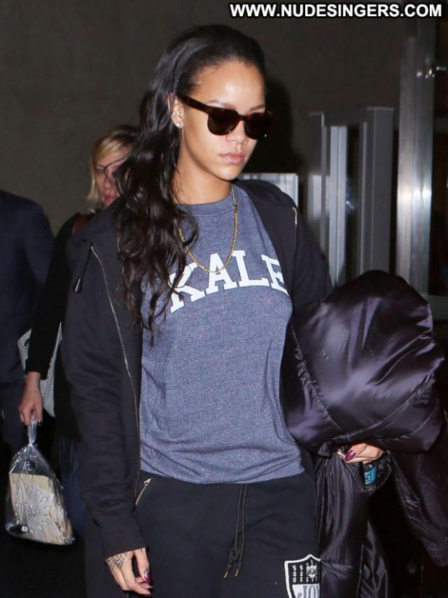 Rihanna Lax Airport Lax Airport Posing Hot Babe Paparazzi Celebrity
