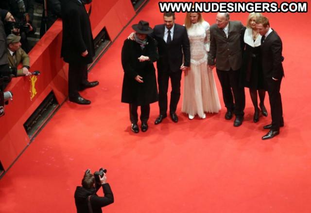 Nicole Kidman The Desert Paparazzi Posing Hot Desert Celebrity