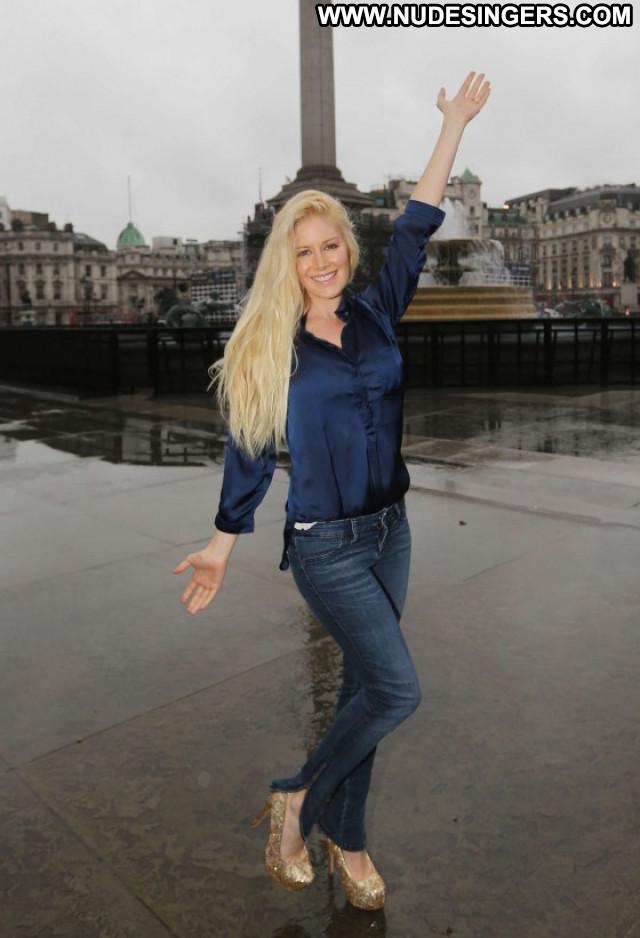 Heidi Montag Paparazzi Celebrity Babe Posing Hot Beautiful London
