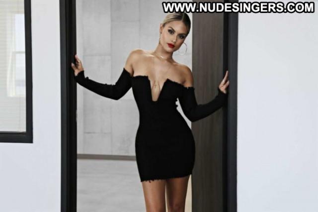 Pia Toscano On Line Beautiful Fashion Paparazzi Babe Posing Hot