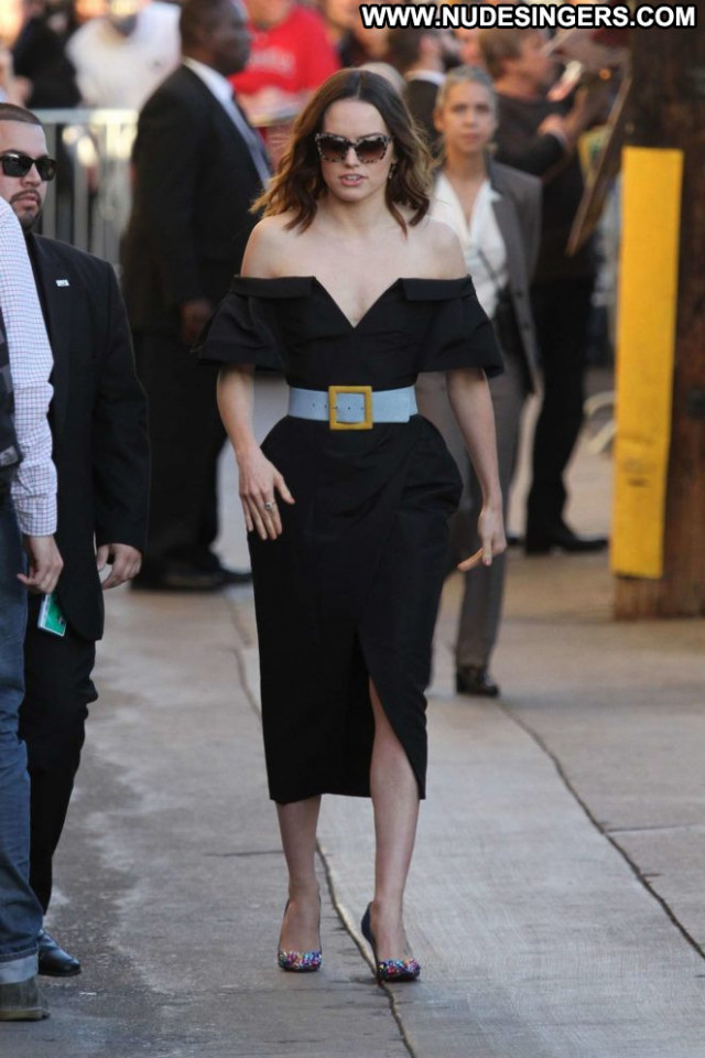 Daisy Ridley Jimmy Kimmel Live Babe Celebrity Live Beautiful Posing