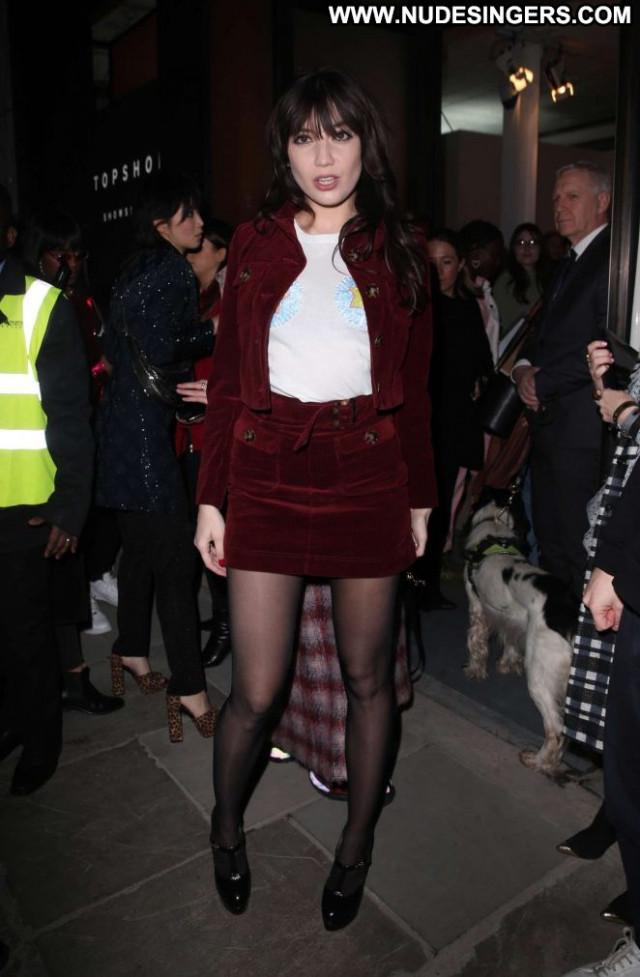 Daisy Lowe No Source Posing Hot Babe Celebrity London Paparazzi
