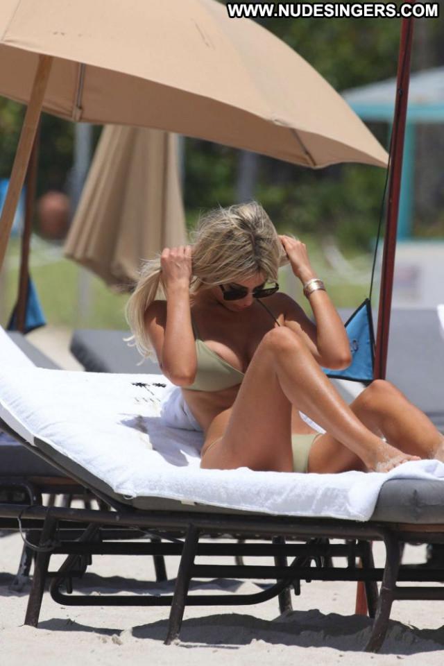 Melissa Castagnoli The Beach Beach Babe Celebrity Beautiful Posing