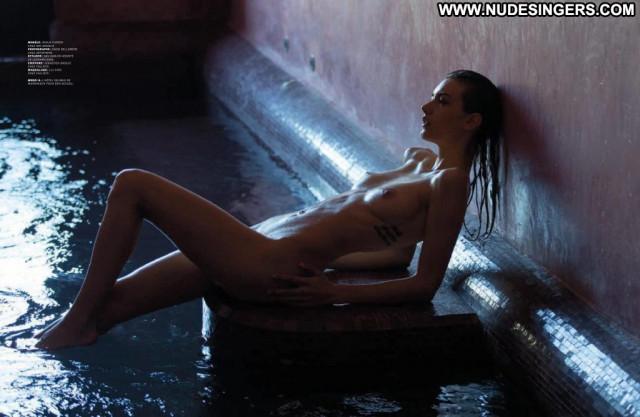 Zoe Mantzakanis David Bellemere Nude Desi Celebrity Babe Park