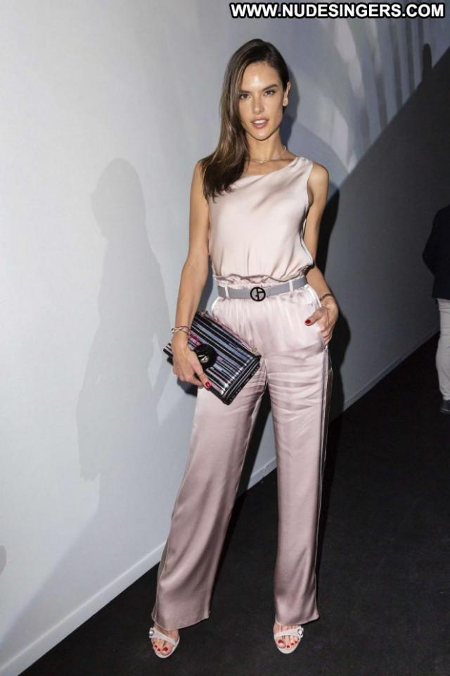 Alessandra Ambrosio Fashion Show Celebrity Beautiful Babe Fashion