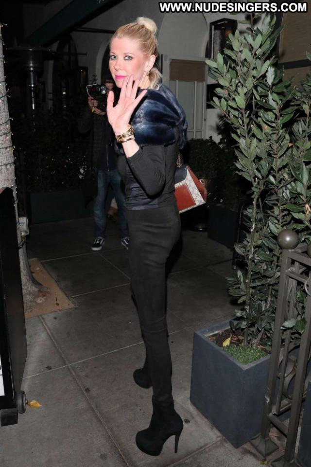 Tara Reid Beverly Hills  Paparazzi Posing Hot Celebrity Restaurant