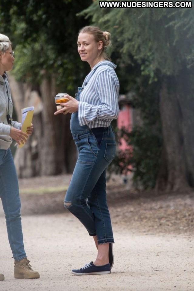 Yvonne Strahovski No Source Posing Hot Celebrity Babe Beautiful