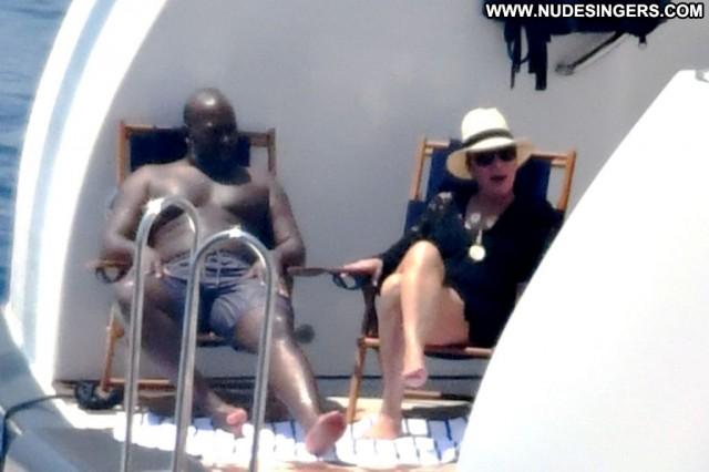 Kris Jenner No Source Sexy Sex Yacht Babe Posing Hot Videos Beautiful
