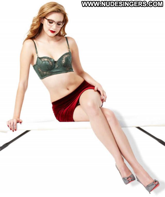 Alexia Fast Esquire Magazine Celebrity Paparazzi Posing Hot Beautiful